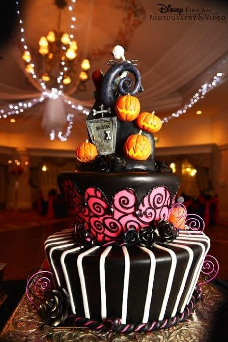 disney tim burton halloween wedding cake