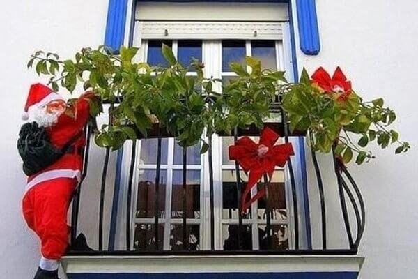 apartment balcony santa claus decorated christmas ideas
