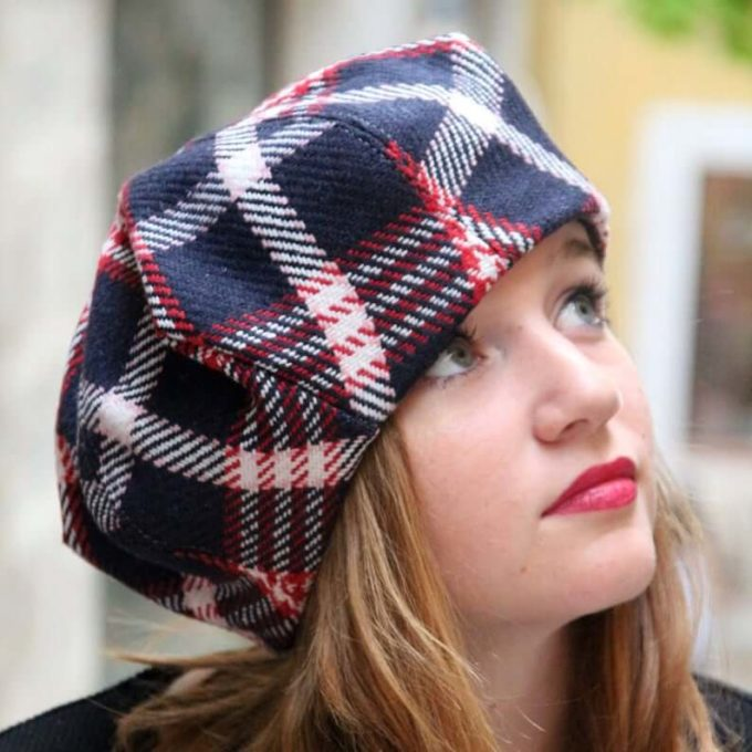 beret tartan hat for girls with short-shoulder length hair