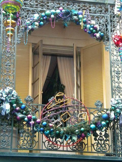 colorful christmas balcony decoration ideas