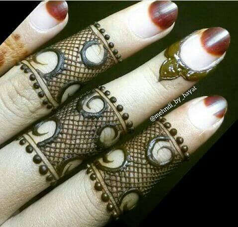 lace style fingers ring mehndi designs