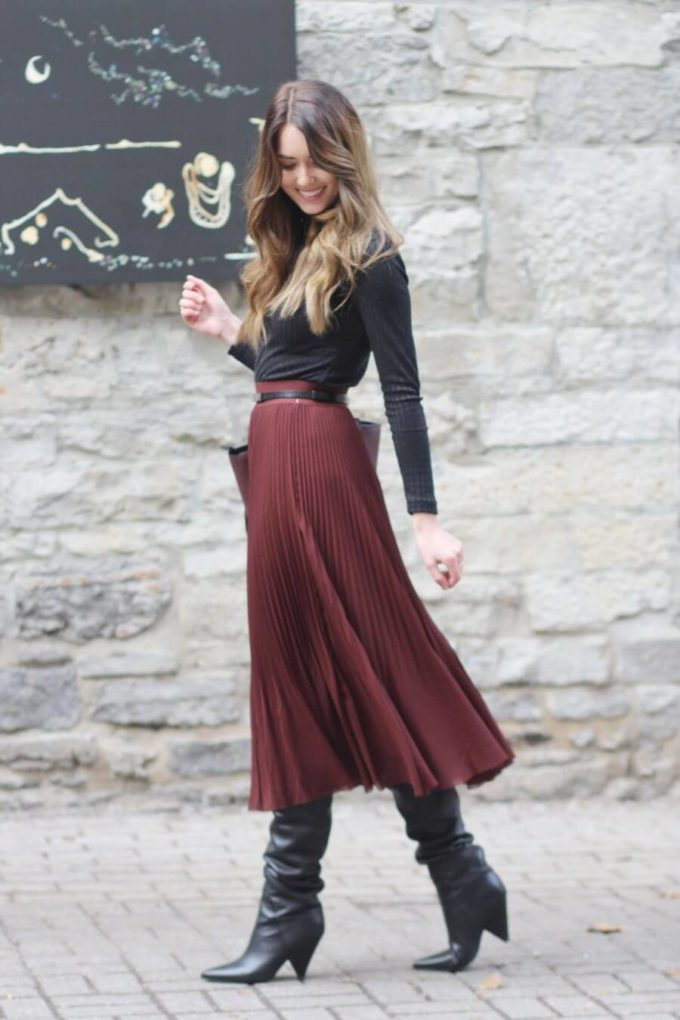 pleated skirt christmas outfit ideas