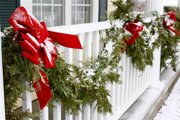 red and green balcony decoration for christmas