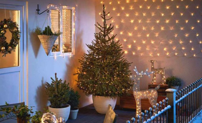 small christmas tree decorations with lights for balcony