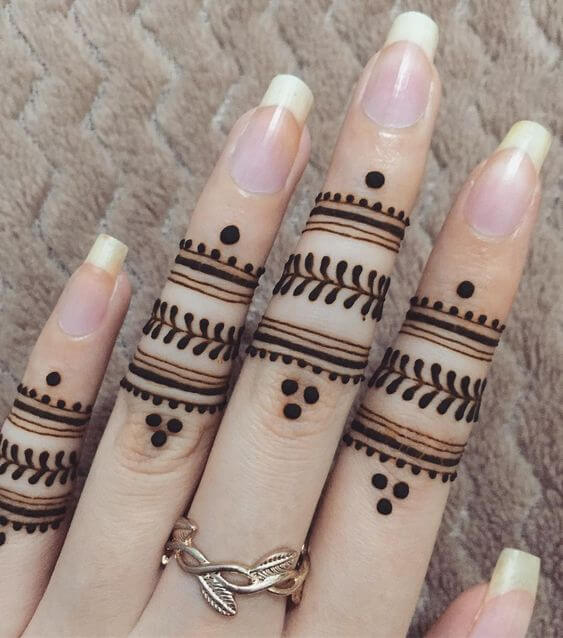 easy stylish ring mehndi designs on fingers