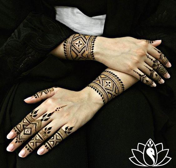 arabic bracelet mehndi design