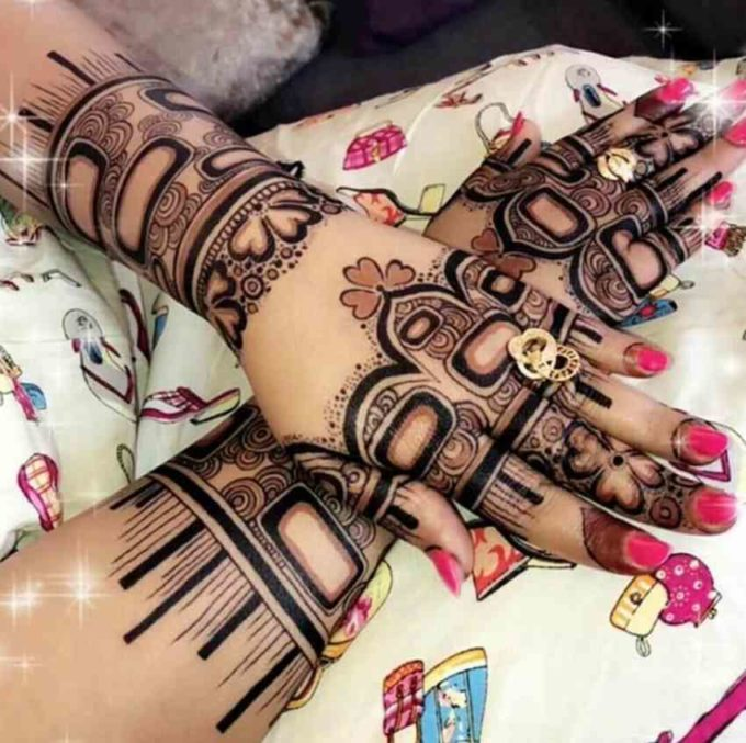beautiful valentines day bracelet mehndi design