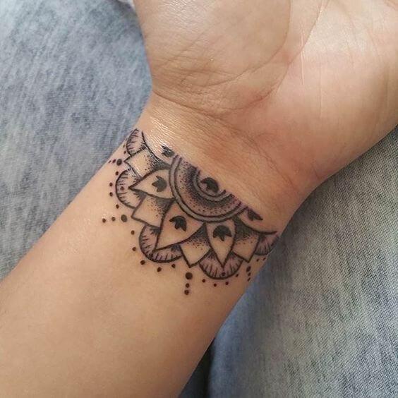 bracelet mandala henna design for girls