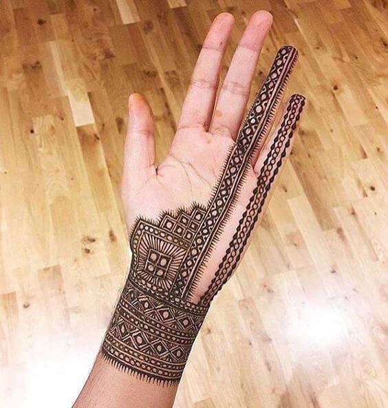 creative arabic bracelet mehndi design