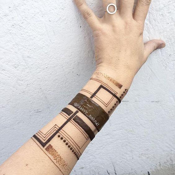 delicate arabic bracelet mehndi design