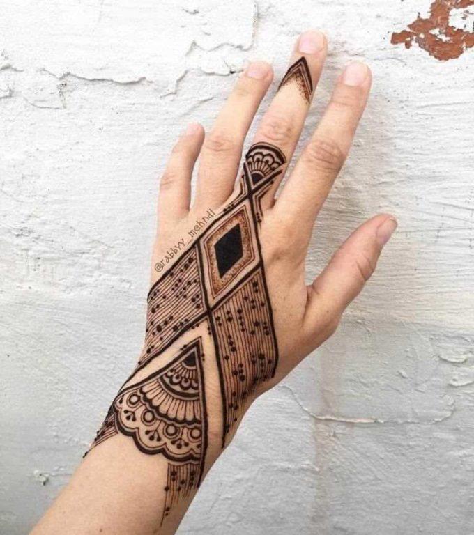 modern arabic bracelet ring chain mehndi design