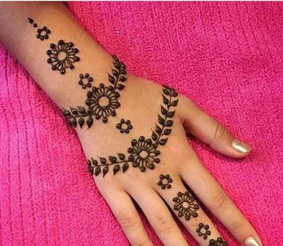simple floral bracelet mehndi design