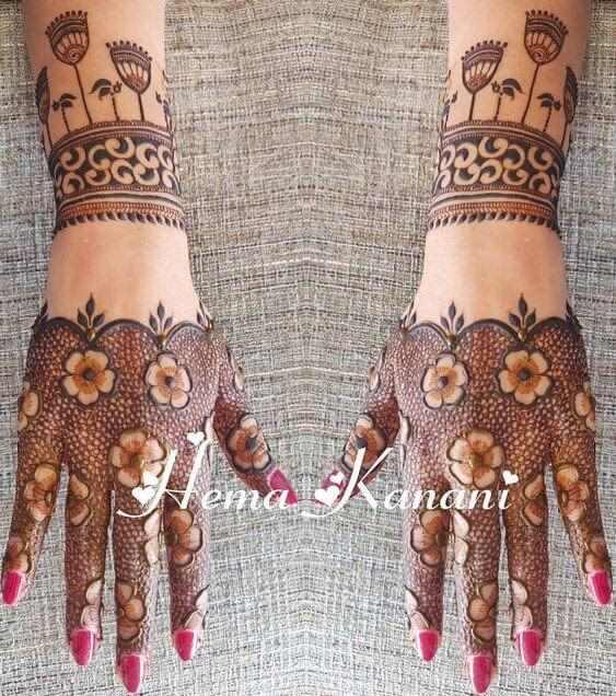 stylish bracelet flower mehndi design