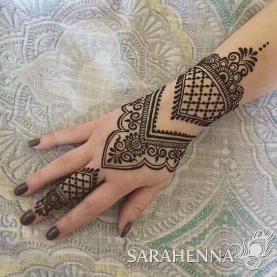 traditional arabic bracelet mehndi design
