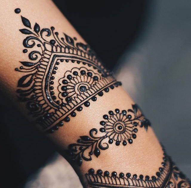 traditional bridal wedding bracelet mehndi design