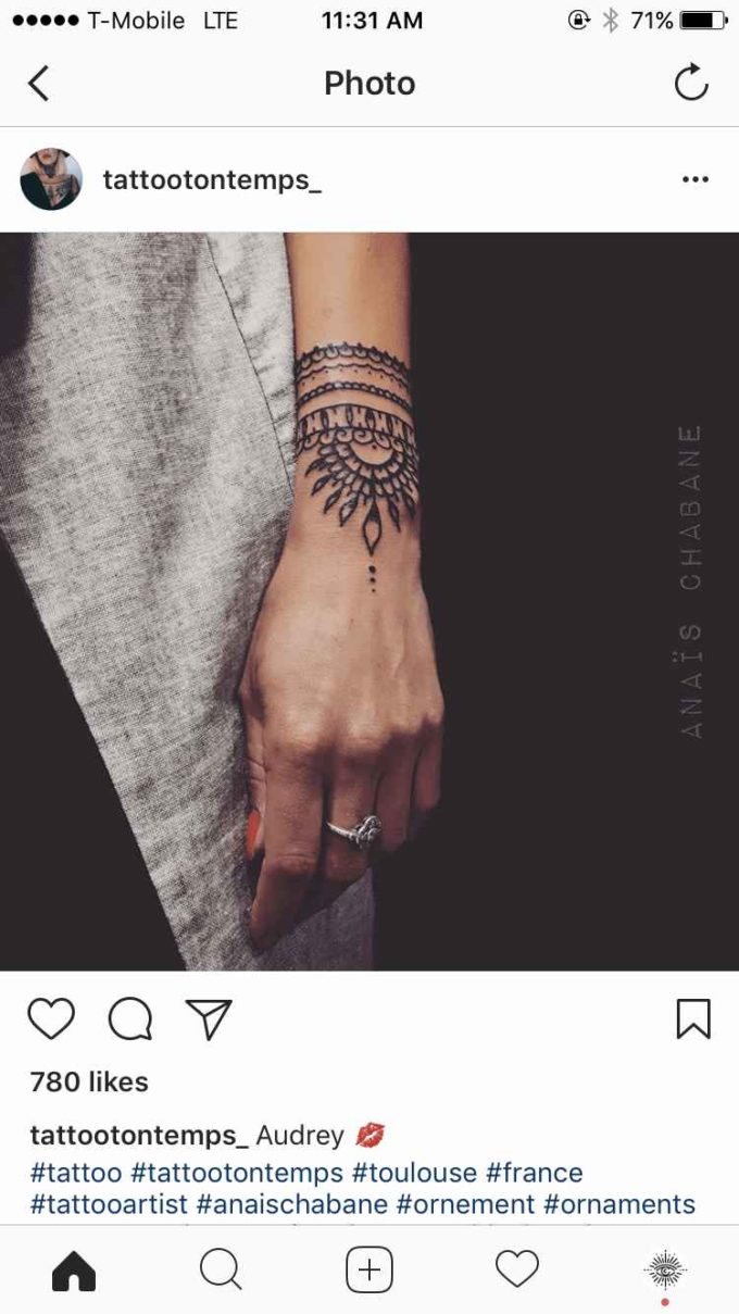 traditional mehndi bracelet pattern design