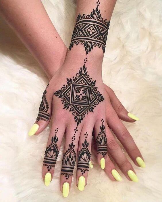 unique arabic bracelet mehndi design