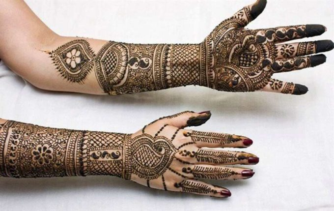 full hand traditional pakistani-indian chain mehndi designs