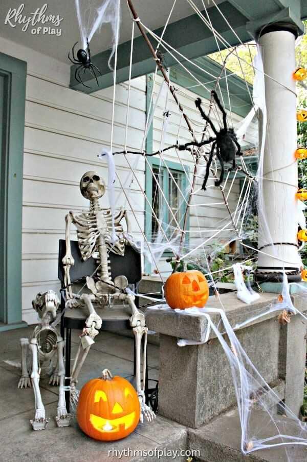outdoor porch halloween skeleton decoration idea