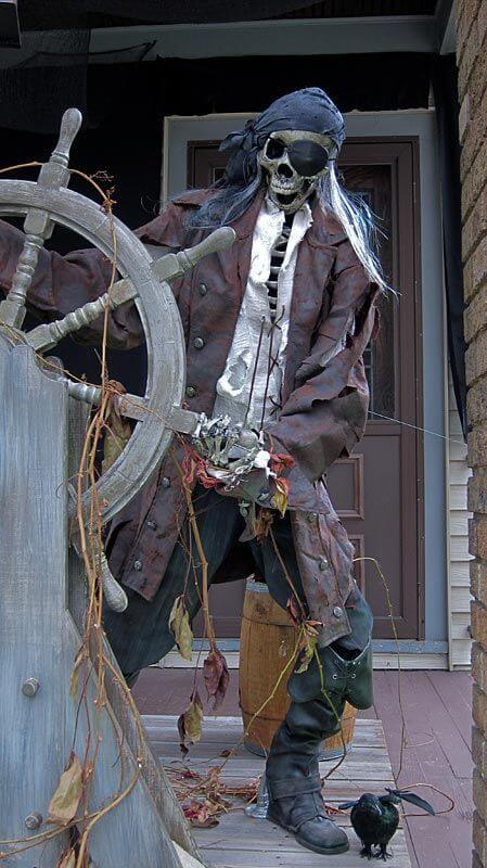 pirate skeleton outdoor decoration idea for halloween