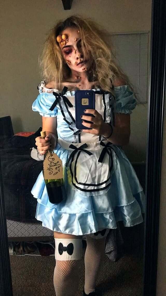 diy creepy poison alice in wonderland halloween costume idea