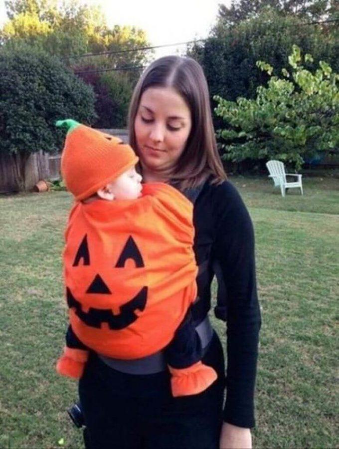 jack-o-lantern baby carrier halloween costume idea