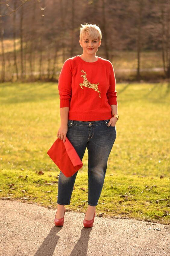 red jumper christmas outfit ideas for plus size women